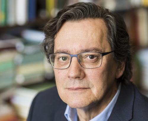 Fernando Vallespín, al seu despatx de la universitat. Foto: Sergio Ruiz/Valors